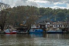 Eiland in het Pamvotida-meer van Ioannina in Griekenland Royalty-vrije Stock Foto