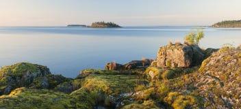 Eiland in Meer Ladoga Stock Foto's