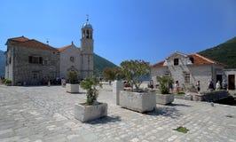 Eiland met kerk in boko-Kotor baai, Montenegro stock afbeelding