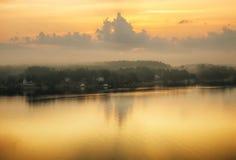 Eiland Mistige ochtend Stock Afbeeldingen