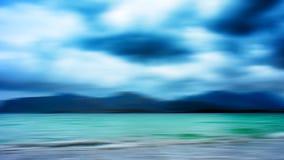 Eiland van Aqua het dramatische Noorwegen in oceaan Stock Afbeeldingen