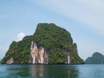 Eiland van de kust van Krabi, Thailand Stock Afbeelding
