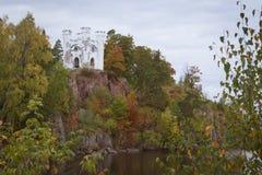 Eiland van Dood en de kapel van Ludwigstein in Monrepos Royalty-vrije Stock Foto's