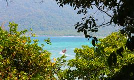 Eiland vibes op het strand in Thailand royalty-vrije stock foto