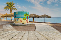 EILAT, ISAREL - FEBRUARY, 17, 2016: Central beach of Eilat Royalty Free Stock Photography