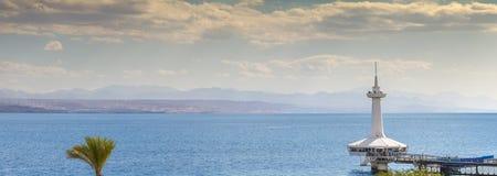 EILAT, ISRAEL - 4 DE ENERO DE 2018: Edificio subacuático marino del observatorio Fotografía de archivo libre de regalías