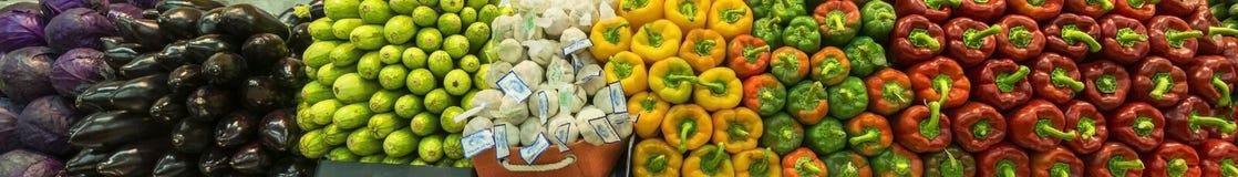 EILAT IZRAEL, MARZEC, - 21, 2017: Różni warzywa na rynku Obrazy Stock