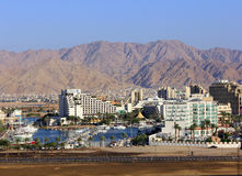 Eilat - porticciolo ed hotel moderni sul Mar Rosso Immagini Stock Libere da Diritti