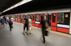 Eile in der Metro in Warschau (Polen) Stockbild