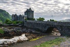 Eilean Donan Castle aufgestellt nahe Insel von Skye, Schottland, Großbritannien lizenzfreies stockfoto