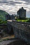Eilean Donan Castle aufgestellt nahe Insel von Skye, Schottland, Großbritannien lizenzfreies stockbild
