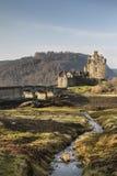 Eilean Donan Castle en el lago Duich Foto de archivo