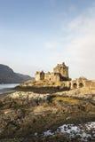 Eilean Donan Castle en el lago Duich en Escocia Imagenes de archivo
