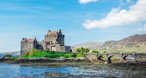 Eilean Donan Castle en mayo imagen de archivo
