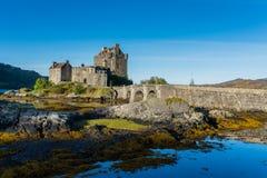 Eilean Donan Castle in Hoogland, Schotland in de Herfstseizoen Royalty-vrije Stock Foto