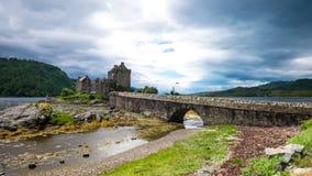 Eilean Donan Castle i molnig dag Royaltyfri Fotografi