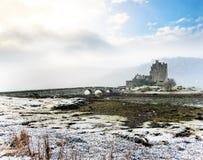 Eilean Donan Castle no inverno Imagens de Stock Royalty Free