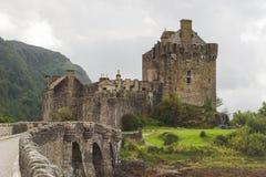 Eilean Donan slott, Skottland fotografering för bildbyråer