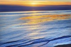 Eilwood Mesa太平洋日落Goleta加利福尼亚 免版税图库摄影