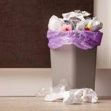 Eimer Abfall in der Küche Lizenzfreie Stockbilder