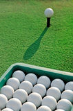Eimer Golfbälle Lizenzfreies Stockbild