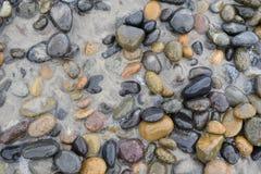 Ein überspringender Tag des Steins ein bisschen! stockfotografie