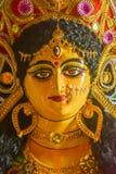 Ein Abschluss herauf Gesicht der G?ttin Maa Durga Idol Ein Symbol der St?rke und der Energie gem?? des Hinduismus Dieses Portr?t  stockfotografie