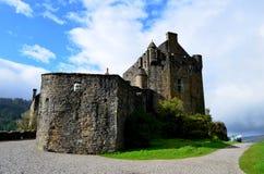 Ein Abschluss-hoher Blick bei Eilean Donan Castle lizenzfreie stockbilder