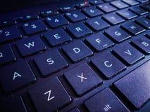 Ein Abschluss oben der Tastatur des Laptops lizenzfreies stockbild