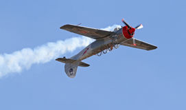 Ein Aerobatic Flugzeug Stockbild