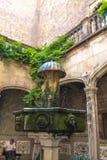 Ein alter Brunnen Lizenzfreie Stockbilder