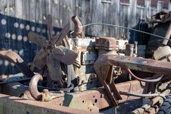 Ein alter Dieselmotor in einem Militärauto Alte Ausstellungen im Museum von tecniki stockfoto