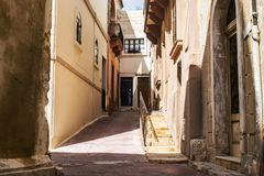 Ein alter Durchgang in Siggiewi, Malta lizenzfreie stockfotografie