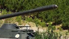 Ein alter Panzer stock video