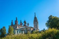 Ein alter Tempel im Dorf Parsky, Iwanowo-oblast Stockfotos