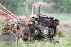Ein alter Traktor Stockbild