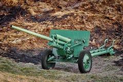 Ein altes Artillerie-Gewehr lizenzfreie stockbilder