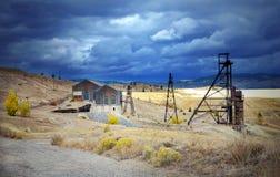 Ein altes Bergwerk headframe im Butte, Montana Lizenzfreie Stockfotos