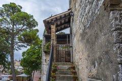 Ein altes Haus in Porec Kroatien stockbilder