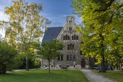Ein altes katholisches Kloster, das jetzt das Landesschule Pforta, Internatsgymnasium unterbringt Touristenort Sachsen-Anhalt, De lizenzfreie stockfotografie