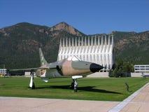 Ein altes pensioniertes Kampfflugzeug. Lizenzfreie Stockfotografie