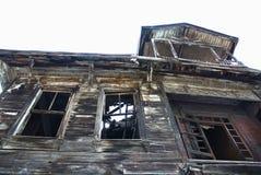 Ein altes ruiniertes Osmanesommerhaus Lizenzfreie Stockbilder