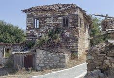 Ein altes, verlassenes Steinhaus Lizenzfreies Stockfoto