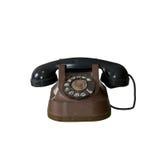Ein altes Weinleselohntelefon getrennt auf Weiß Lizenzfreie Stockbilder