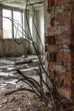 Ein altes, Zerfall, chemisches Unterricht buildung in der Tschechischen Republik stockbild