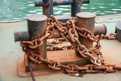 Ein Anchorage, das auf einem Schiff verankert wird, ist ein Mast Lizenzfreie Stockfotografie