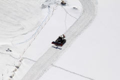 Ein Arbeitsschneepflug beim Schweizer Jungfraujoch Stockfotos