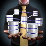 Ein Architekt, der ein Datenbank- Netz erstellt Lizenzfreie Stockfotos