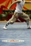 Ein Athlet spielte in einem Kampfkunstwettbewerb in Jinan Uni Stockbilder