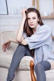 Ein attraktiver flirty junger Brunette Lizenzfreie Stockfotografie